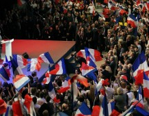 Nicolas Sarkozy, à Strasbourg : «De ces années de crise, je tire une conviction profonde : la période que nous vivons est décisive pour l'avenir du monde.»
